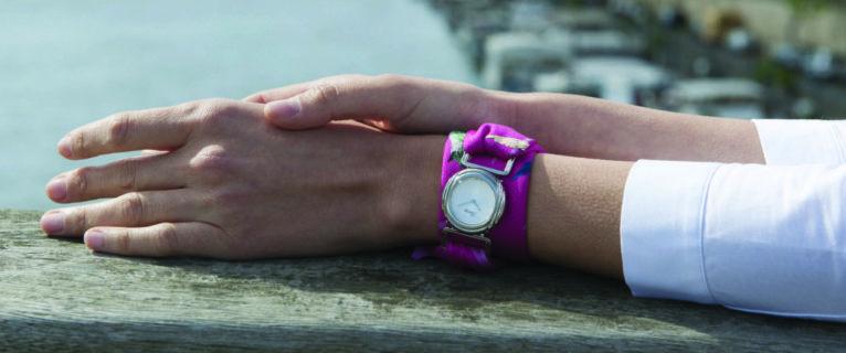 POIRAY x INES DE PARCEVAUX : POIRAY réinvente une nouvelle façon de porter ses montres.